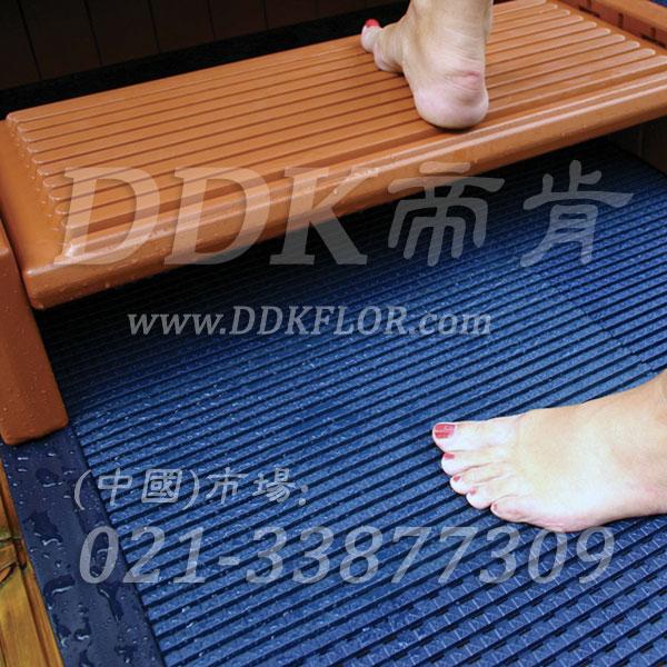 蓝色拼块_浴室桑拿间地面防滑地板材料铺装