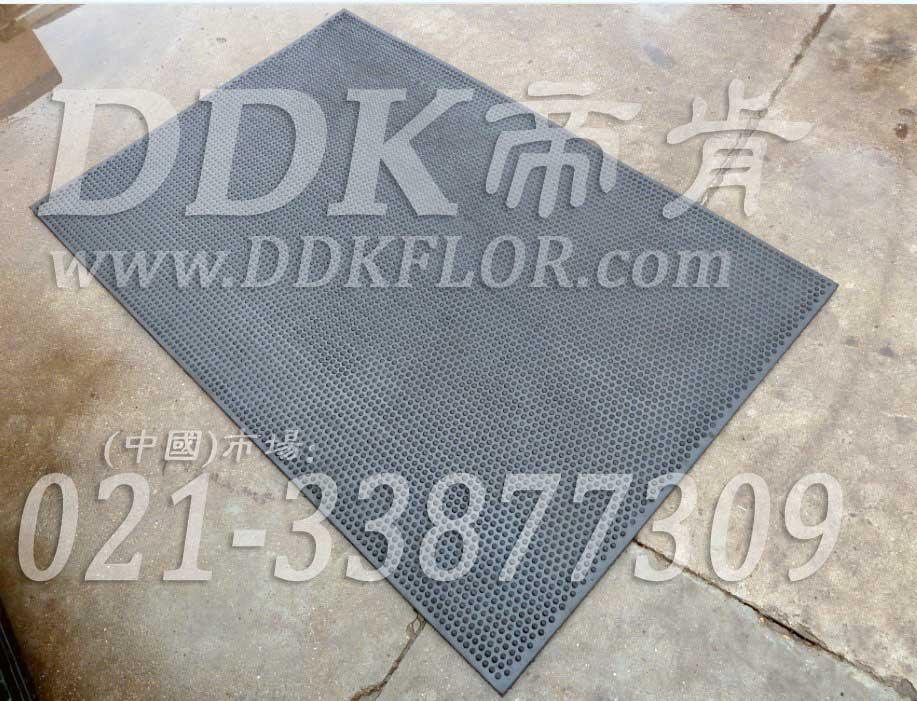圆点防滑_地面耐磨抗压材料样板图片,帝肯(DDK)_4900_9979(车间地面耐磨材料)效果图,抗压地垫,抗压地板,耐压地板,耐压耐磨地毯,耐重压地垫,耐重压地板,耐磨地板,耐磨地垫,耐磨防滑地板,耐磨地胶