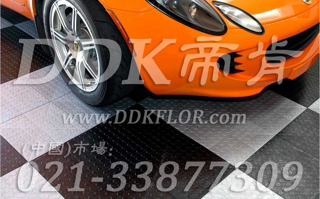 黑+淡灰_4S店汽车展厅地面材料