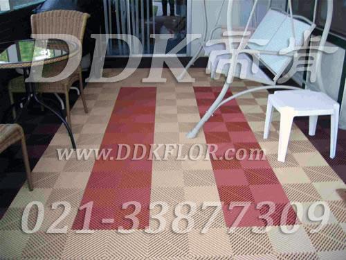 卡其色+红砖色相拼_露天阳台地面装修效果实景