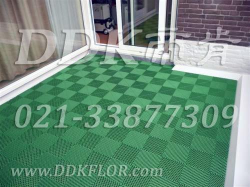 绿色拼装_露台塑胶地板材料