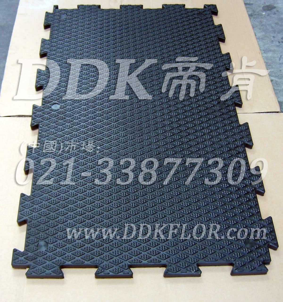 黑色_菱纹表面_抗压耐磨防滑厚地板(2)