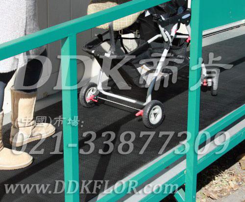 坡道地面防滑地毯材料(2)样板图片,帝肯(DDK)_S450_660(室外地面防滑地毯材料)效果图,安全通道用地板,走道地毯,走道地垫,通道地毯,通道防滑垫,过道地毯,过道防滑垫