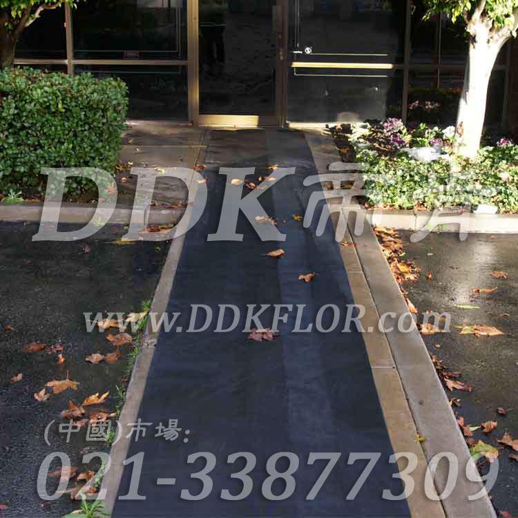 黑色户外走道防滑地毯卷材(3)样板图片,帝肯(DDK)_S450_660(室外地面防滑地毯材料)效果图,室外地垫,室外地板胶,室外地板革,室外地毯,室外地胶,室外塑料地毯,室外塑胶地板,室外橡胶地板,室外防水地板,室外防滑地垫,室外防滑地毯,室外防滑垫,弹性地胶,户外地胶,户外地毯,户外地垫,户外绿色地毯,户外塑胶地毯,地胶,走道地垫,走道地毯,走道垫,通道地毯,过道地毯,过道防滑垫,橡胶防滑地毯,防滑地毯,塑料防滑地毯