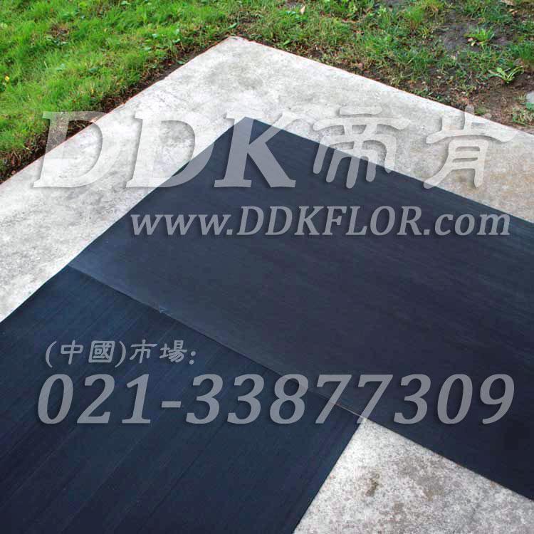 黑色户外走道防滑地毯卷材(6)样板图片,帝肯(DDK)_S450_660(室外地面防滑地毯材料)效果图,室外地垫,室外地板胶,室外地板革,室外地毯,室外地胶,室外塑料地毯,室外塑胶地板,室外橡胶地板,室外防水地板,室外防滑地垫,室外防滑地毯,室外防滑垫,弹性地胶,户外地胶,户外地毯,户外地垫,户外绿色地毯,户外塑胶地毯,地胶,走道地垫,走道地毯,走道垫,通道地毯,过道地毯,过道防滑垫,橡胶防滑地毯,防滑地毯,塑料防滑地毯