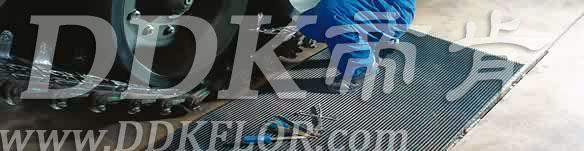 灰色_车间地面防滑防护网格毯(4)样板图片,帝肯(DDK)_1900_9979(工业地面铺地材料)效果图,工业地垫,工业地板胶,工业地板革,工业地毯,工业地胶,工业塑料地毯,工业塑胶地板,工业抗疲劳地垫,工业抗疲劳防滑垫,工业橡胶地板,工业用格栅地垫,工业耐油地垫,工业走道地垫,工业防滑地垫,工业防滑地毯,工业防滑垫,工厂地垫,工厂地板胶,工厂地毯,工厂地胶,工厂塑胶地板,工厂用橡胶地垫,工厂走道地垫,工厂用塑料地板,工厂车间地板革,工厂车间地胶,工厂防滑地垫,工厂防滑垫,带孔防滑垫,多孔防滑地垫,多孔橡胶垫,耐油工业橡胶垫,车间地垫,车间防滑地垫,车间防滑垫,车间地面胶皮,车间地胶垫,车间地毯,车间塑料防滑垫,车间塑胶地板,抗疲劳地毯,抗疲劳垫,抗疲劳脚垫,疏水型抗疲劳地垫,经济型抗疲劳地垫,防疲劳垫,防疲劳地胶,防疲劳地毯,防疲劳地垫,防疲劳脚垫,厂房防滑地胶,厂房地板材料,厂房地胶,厂房地毯,z字型疏水垫,疏水防滑垫,漏水橡胶垫,漏水地胶,漏水防滑垫,耐油耐水地垫,茶水间防滑地垫,防水地毯,透水地垫,透水地板胶垫,隔水材料,疏水地毯,疏水地席