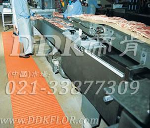 红色_车间流水线地面防滑防护网格毯(7)样板图片,帝肯(DDK)_1900_9979(工业地面铺地材料)效果图,工业地垫,工业地板胶,工业地板革,工业地毯,工业地胶,工业塑料地毯,工业塑胶地板,工业抗疲劳地垫,工业抗疲劳防滑垫,工业橡胶地板,工业用格栅地垫,工业耐油地垫,工业走道地垫,工业防滑地垫,工业防滑地毯,工业防滑垫,工厂地垫,工厂地板胶,工厂地毯,工厂地胶,工厂塑胶地板,工厂用橡胶地垫,工厂走道地垫,工厂用塑料地板,工厂车间地板革,工厂车间地胶,工厂防滑地垫,工厂防滑垫,带孔防滑垫,多孔防滑地垫,多孔橡胶垫,耐油工业橡胶垫,车间地垫,车间防滑地垫,车间防滑垫,车间地面胶皮,车间地胶垫,车间地毯,车间塑料防滑垫,车间塑胶地板,抗疲劳地毯,抗疲劳垫,抗疲劳脚垫,疏水型抗疲劳地垫,经济型抗疲劳地垫,防疲劳垫,防疲劳地胶,防疲劳地毯,防疲劳地垫,防疲劳脚垫,厂房防滑地胶,厂房地板材料,厂房地胶,厂房地毯,z字型疏水垫,疏水防滑垫,漏水橡胶垫,漏水地胶,漏水防滑垫,耐油耐水地垫,茶水间防滑地垫,防水地毯,透水地垫,透水地板胶垫,隔水材料,疏水地毯,疏水地席
