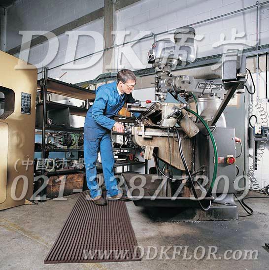 灰色_机械车间地面机器旁耐油防滑防护网格毯(13)样板图片,帝肯(DDK)_1900_9979(工业地面铺地材料)效果图,工业地垫,工业地板胶,工业地板革,工业地毯,工业地胶,工业塑料地毯,工业塑胶地板,工业抗疲劳地垫,工业抗疲劳防滑垫,工业橡胶地板,工业用格栅地垫,工业耐油地垫,工业走道地垫,工业防滑地垫,工业防滑地毯,工业防滑垫,工厂地垫,工厂地板胶,工厂地毯,工厂地胶,工厂塑胶地板,工厂用橡胶地垫,工厂走道地垫,工厂用塑料地板,工厂车间地板革,工厂车间地胶,工厂防滑地垫,工厂防滑垫,带孔防滑垫,多孔防滑地垫,多孔橡胶垫,耐油工业橡胶垫,车间地垫,车间防滑地垫,车间防滑垫,车间地面胶皮,车间地胶垫,车间地毯,车间塑料防滑垫,车间塑胶地板,抗疲劳地毯,抗疲劳垫,抗疲劳脚垫,疏水型抗疲劳地垫,经济型抗疲劳地垫,防疲劳垫,防疲劳地胶,防疲劳地毯,防疲劳地垫,防疲劳脚垫,厂房防滑地胶,厂房地板材料,厂房地胶,厂房地毯,z字型疏水垫,疏水防滑垫,漏水橡胶垫,漏水地胶,漏水防滑垫,耐油耐水地垫,茶水间防滑地垫,防水地毯,透水地垫,透水地板胶垫,隔水材料,疏水地毯,疏水地席