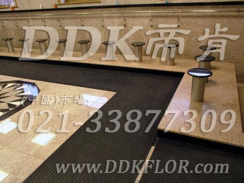 帝肯(DDK)_1900_337(浴室及更衣间地面防滑材料)浴室防滑地胶,浴室防滑垫,浴室防滑疏水砖,浴池防滑地垫,浴池防滑垫,淋浴房防滑垫,卫浴防滑垫,浴室pvc格栅地板,