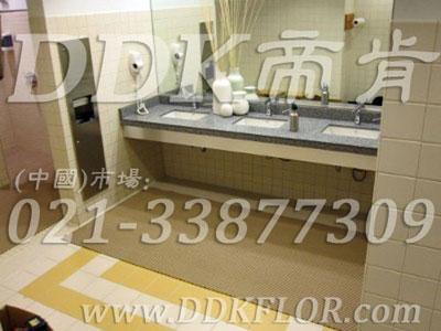(卫生间洗手间地面防滑材料)效果图,厕所防滑垫,公共卫生间塑料地毯
