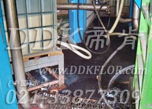 黑色_工厂车间地面防压耐磨材料铺设(5)样板图片,帝肯(DDK)_9900_9979(工厂仓库车间地面材料)效果图,工业用格栅地垫,栅格地垫,耐油地垫,耐油胶垫,耐油防滑地垫,耐油防滑垫,耐油耐水地垫,重型防滑耐油垫,工业耐油地垫,耐压地板,耐压耐磨地毯,耐重压地垫,耐重压地板,抗压地垫,抗压地板,pvc承重地板,车间防滑地垫,车间防滑垫,车间防砸地板,工厂防滑地垫,工厂防滑垫