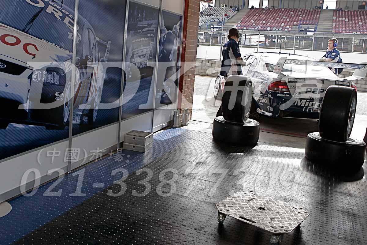 6112汽车修理厂车间地胶