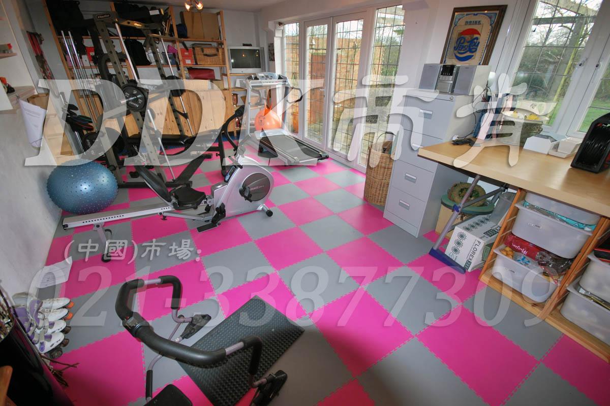 室内健身房运动地面材料(5)_洋红加灰色