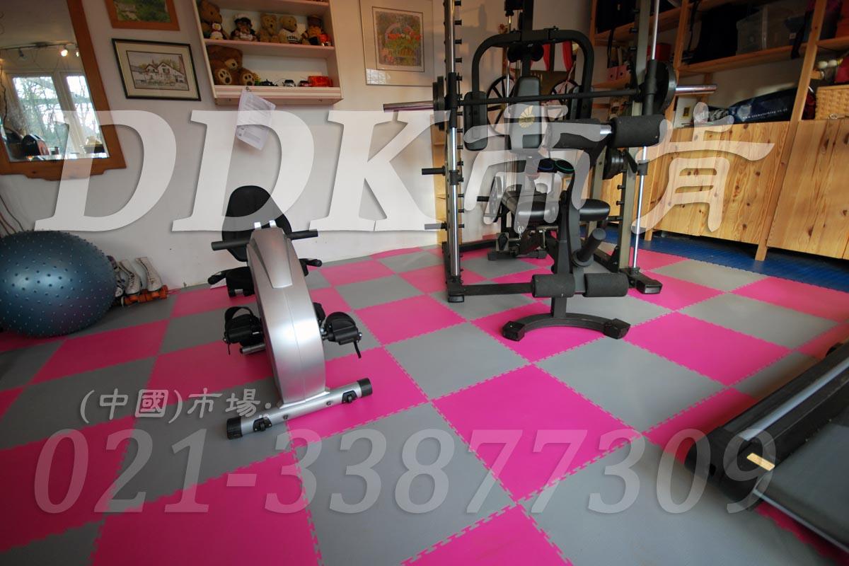 室内健身房运动地面材料(6)_洋红加灰色