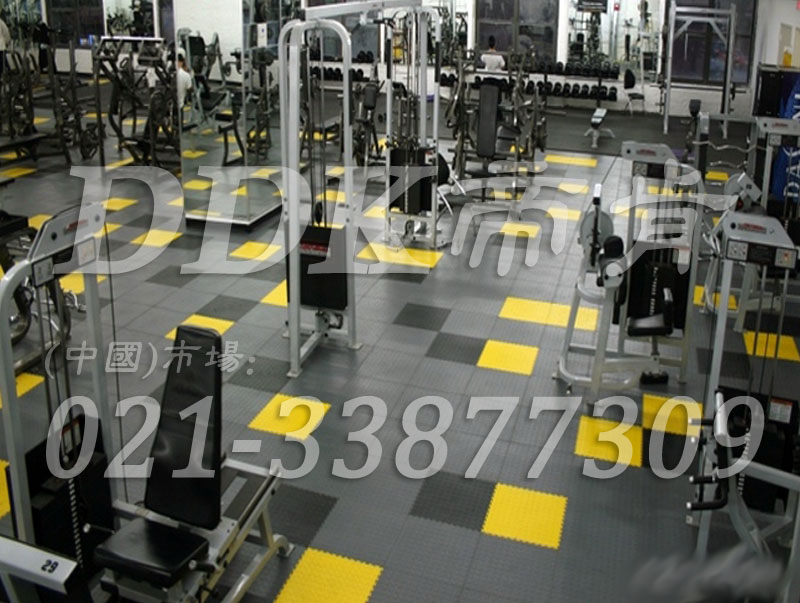 室内健身房运动地面材料(25)_灰色加黄色