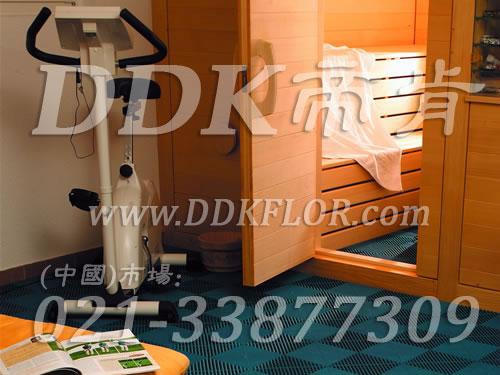 蓝绿色相拼纹_洗浴桑拿房地面防滑地板材料(15)样板图片,帝肯(DDK)_8100_337(疏水型卫生间浴室防滑地砖材料) 效果图,卫浴防滑垫,卫生间地垫,卫生间地板隔水垫,卫生间地胶,卫生间塑料地板,卫生间防水地垫,卫生间防水垫,卫生间防滑地垫,卫生间防滑地毯,卫生间防滑垫,浴室pvc格栅地板,浴室地垫,浴室地板,浴室地板砖,洗手间防滑垫,洗手间地垫,洗手间防滑地毯,洗浴防滑垫,洗澡间防滑垫,浴室地毯,浴室地砖,浴室地胶,浴室垫,浴池防滑垫,浴池防滑地垫,浴室防滑疏水砖,浴室防滑垫,浴室防滑地胶,浴室防滑地板,浴室防滑地垫,淋浴房防滑垫,公共卫生间塑料地毯,厕所防滑垫,桑拿地板
