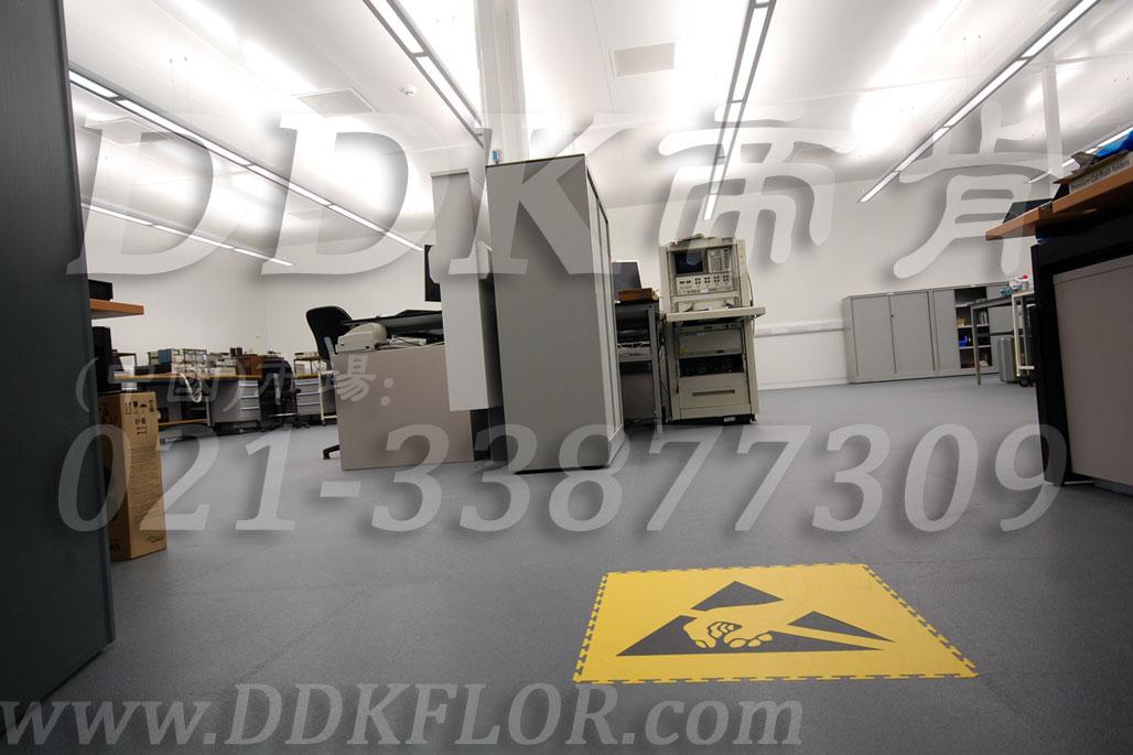 办公室地面装修材料(1)_办公室片材地板颜色-灰色_平板纹