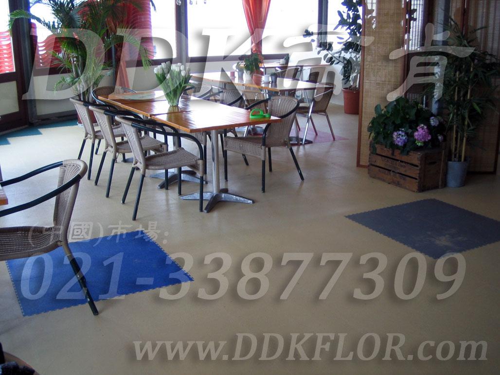 办公室地面装修材料(3)_办公室片材地板颜色-灰色_平板纹
