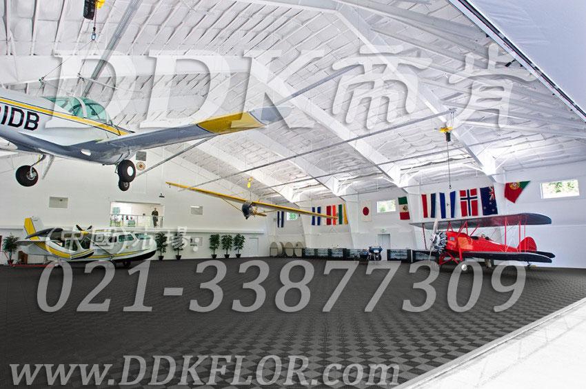 私人飞机停机坪做法(12)_私人飞机库停机地面_深灰色地板样板图片,帝肯(DDK)_8100_2267(私人飞机库地面地板材料做法)效果图,私人飞机停机坪,机场地面设备,飞机场地板,飞机地面设备,航空地面设备
