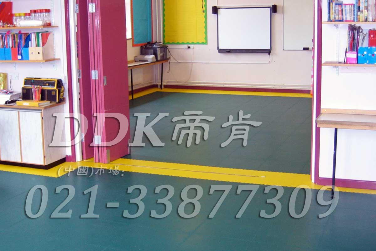 幼儿园用塑胶地板_防滑防摔_绿色加黄色相间样板图片,帝肯(DDK)_2000_3377(幼儿园教室地面材料)效果图,幼儿园pvc塑胶地板,幼儿园地板,幼儿园地板砖,幼儿园地板胶,幼儿园地板革,幼儿园塑料地板,幼儿园室内地板,幼儿园拼装地板,幼儿园教室地板