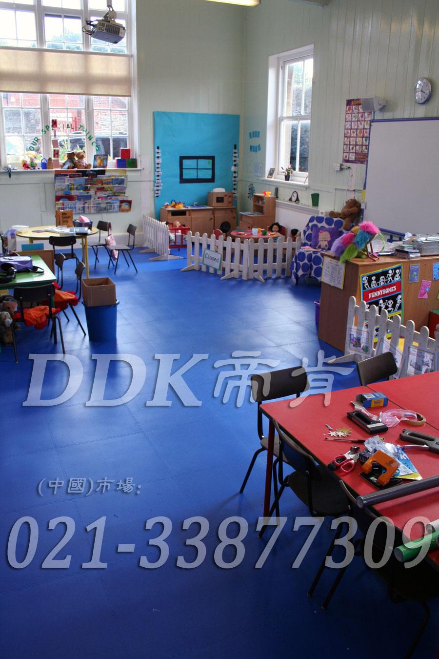 平滑舒适的幼儿园专用地板胶产品_蓝色满铺(1)样板图片,帝肯(DDK)_2000_3377(幼儿园教室地面材料)效果图,幼儿园pvc塑胶地板,幼儿园地板,幼儿园地板砖,幼儿园地板胶,幼儿园地板革,幼儿园塑料地板,幼儿园室内地板,幼儿园拼装地板,幼儿园教室地