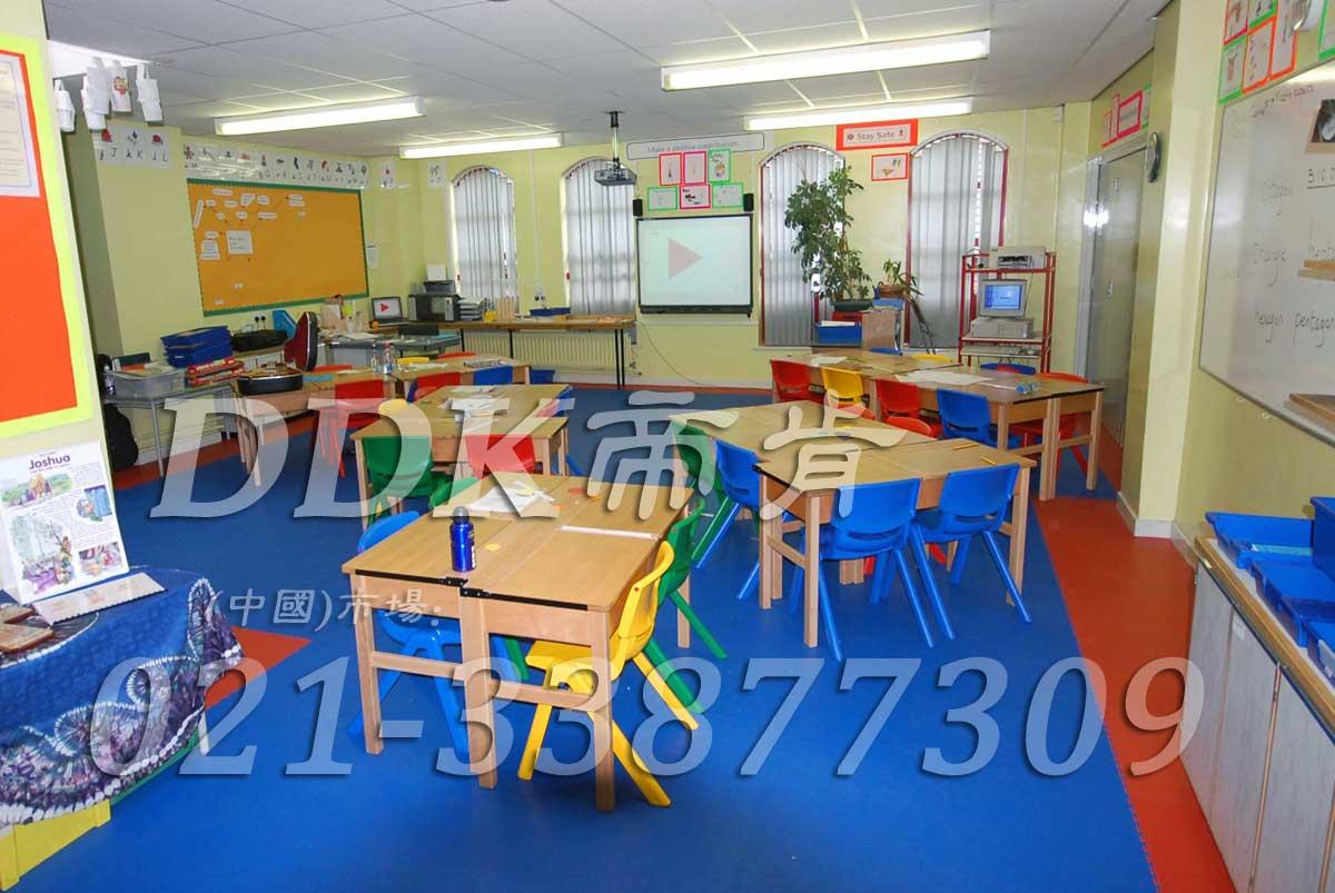 最好的幼儿园地胶_蓝色拼装型幼儿园教室专用地胶(6)样板图片,帝肯(DDK)_2000_3377(幼儿园教室地面材料)效果图,幼儿园pvc塑胶地板,幼儿园地板,幼儿园地板砖,幼儿园地板胶,幼儿园地板革,幼儿园塑料地板,幼儿园室内地板,幼儿园拼装地板,幼儿园教室地板