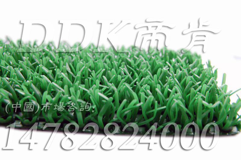 绿色人造硬草坪垫