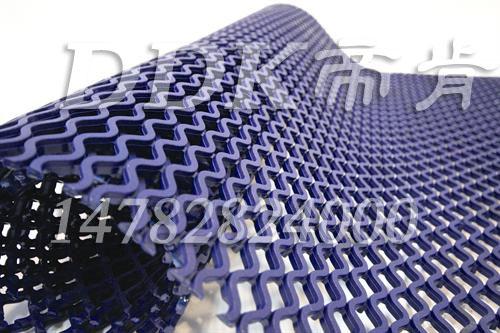 【防滑网格垫卷材】青蓝色防滑网格垫卷材样板图片,帝肯(DDK)_9200(Race|雷士)效果图,塑料网格防滑地垫,塑料防滑网格垫,多孔防滑地垫,网格塑料垫,网格防滑垫,网状地毯,网状防滑垫,网孔地垫,网格地垫,网格地板,网格塑料地板垫,网眼防滑,防滑塑料网格,带孔防滑垫,漏水地垫,漏水地胶,漏水防滑垫