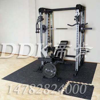 【健身器械下的地垫】健身房自由器械区减增地胶是什么材质