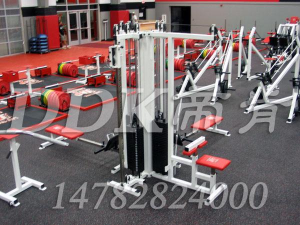 健身房器械区地板是什么材料?样板图片,帝肯(DDK)_S3020_P500(Niki|耐柯)效果图,自由力量区地胶