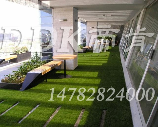 【屋顶花园地面辅什么材料好?】样板图片,帝肯(DDK)_6200(Green|歌林)效果图,露台防滑地板,露台防滑地砖,露台花园装修,露台地面装修,露台草坪