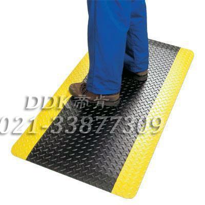【黑色黄边耐磨型工业通道防护地毯】提供多厚度_适于工厂车间过道等地面防滑、防护的耐磨型地毯定制生产。