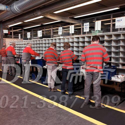 企业为什么需要为一线员工铺设防疲劳脚垫?!